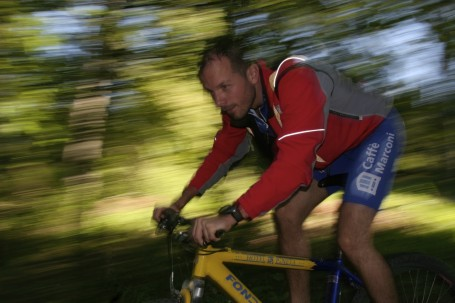 una escursione in mountain bike in trentino